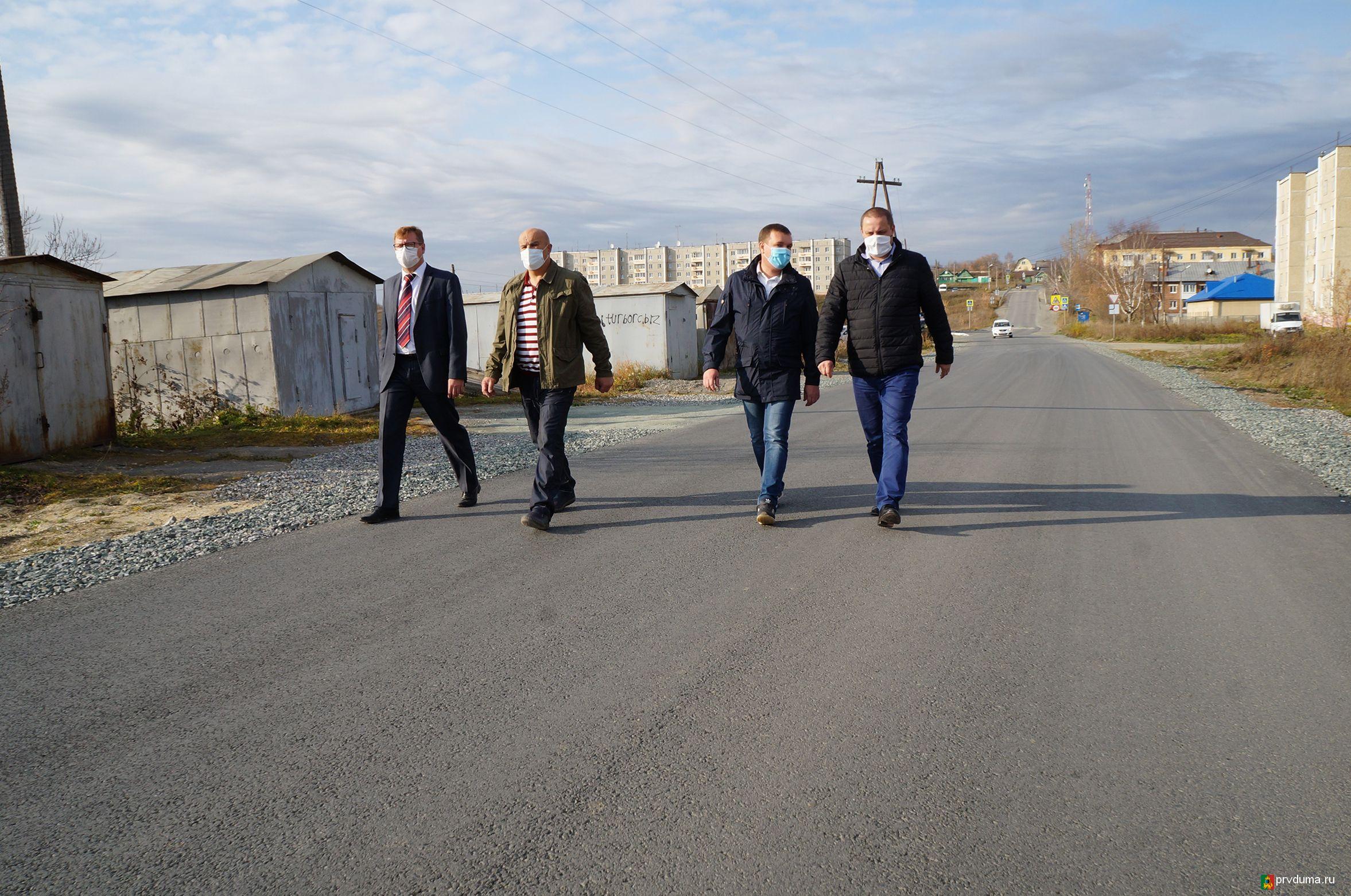 Депутаты приняли участие в приемке дорог
