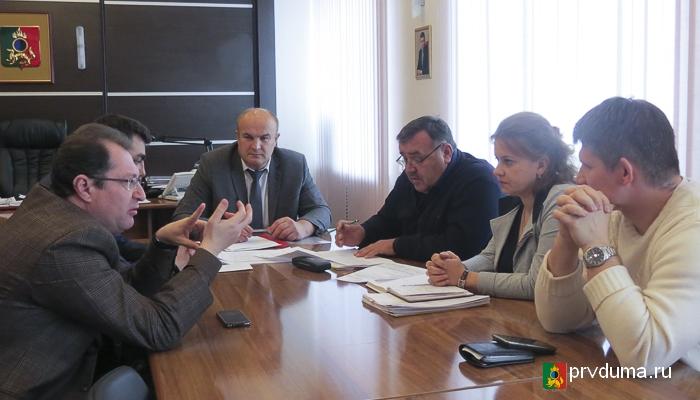 Николай Козлов  провел рабочее совещание, посвященное ходу отопительного сезона