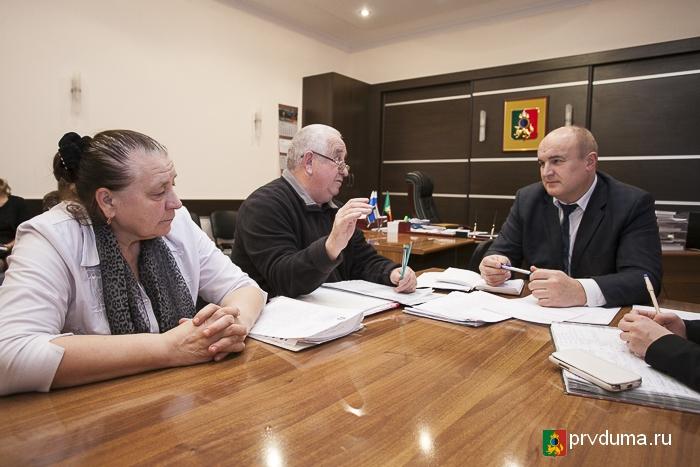 Глава Первоуральска и депутаты городской Думы провели прием граждан