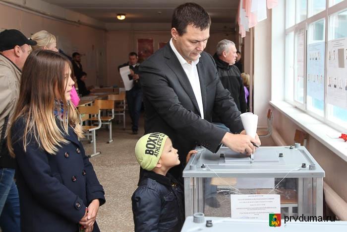 Руководители городского округа приняли участие в голосовании