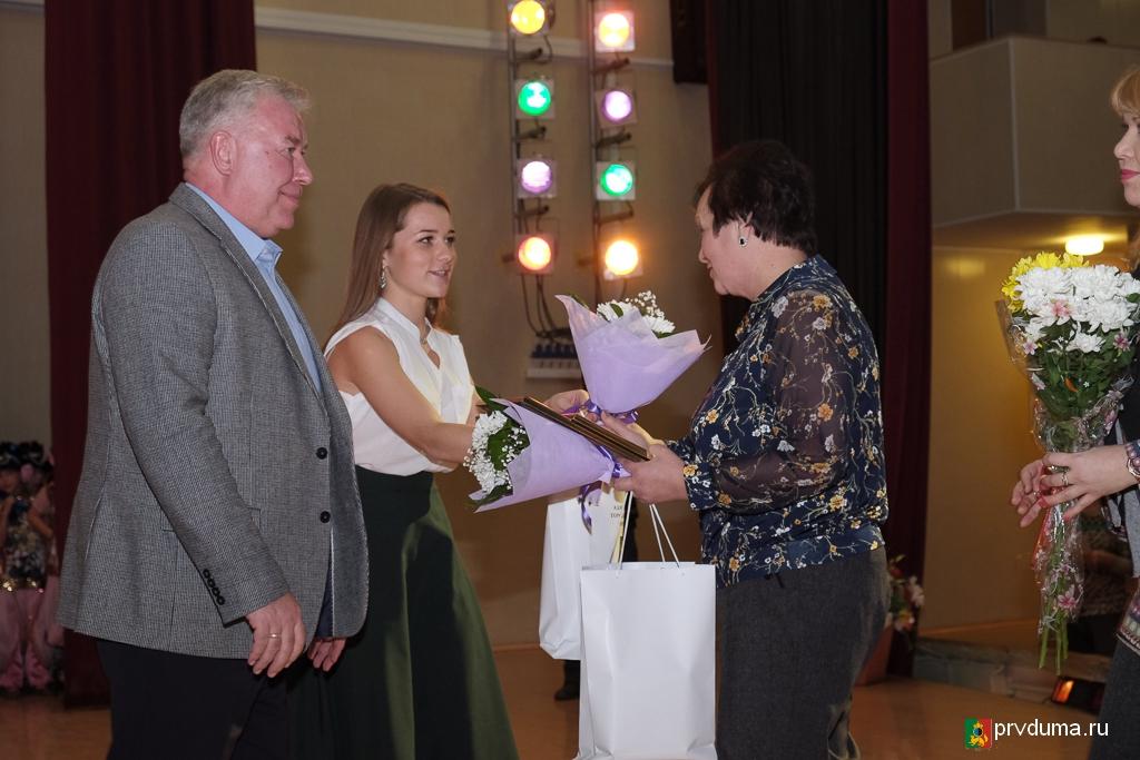 Эдуард Вольхин приветствовал участников торжества, посвященного дню инвалидов