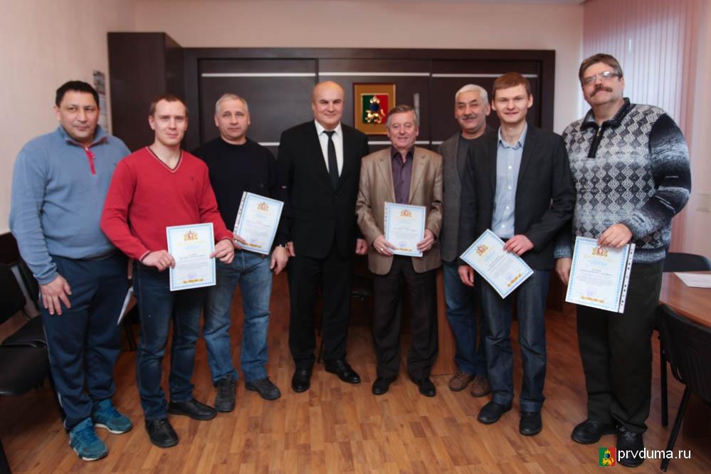 Николай Козлов вручил министерские награды