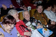 Наталья Воробьева пожелала женщинам-ветеранам душевного тепла