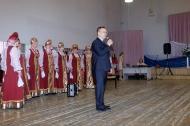 Депутаты «Единой России» подарили «Калинушке» новый баян