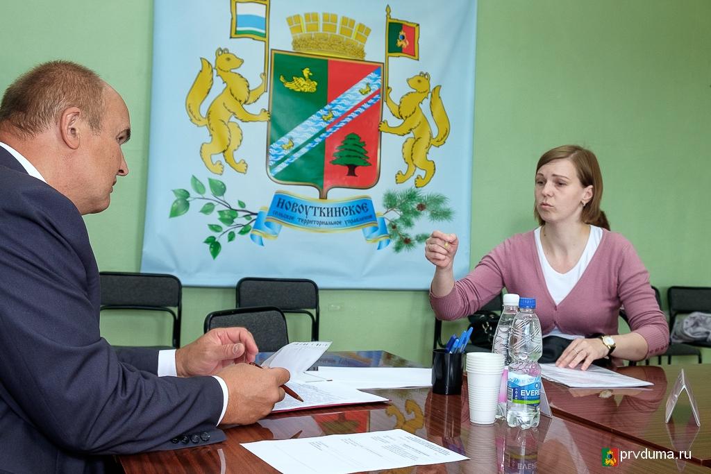 Николай Козлов провел встречу с жителями Новоуткинска