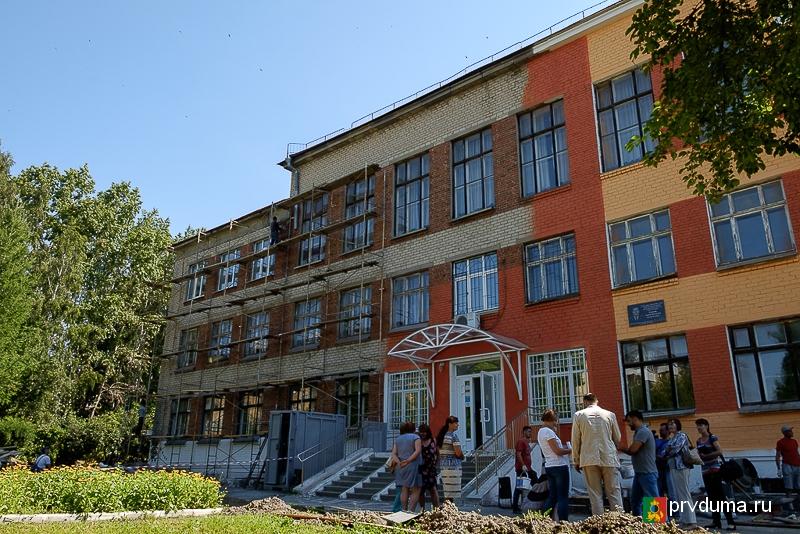 Эдуард Вольхин и Наталья Воробьева: «Ремонты в школах и детских садах на контроле»