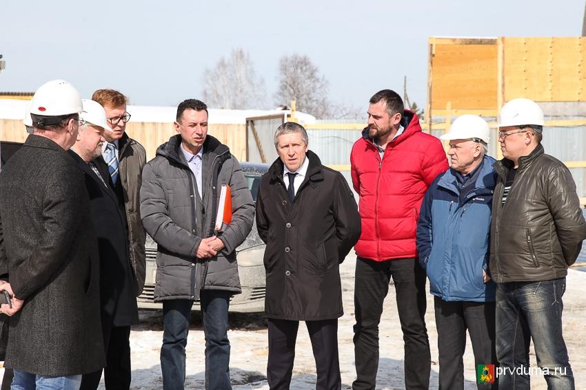 Назар Галат проинспектировал ход строительных работ Билимбаевского ФОКа
