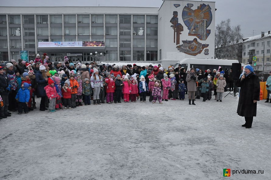 Батл Дедов Морозов открыл новогодние гуляния
