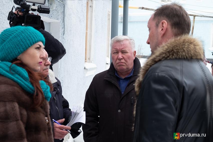 Депутаты «Единой России» держат на контроле ситуацию с жилым домом на Магнитке